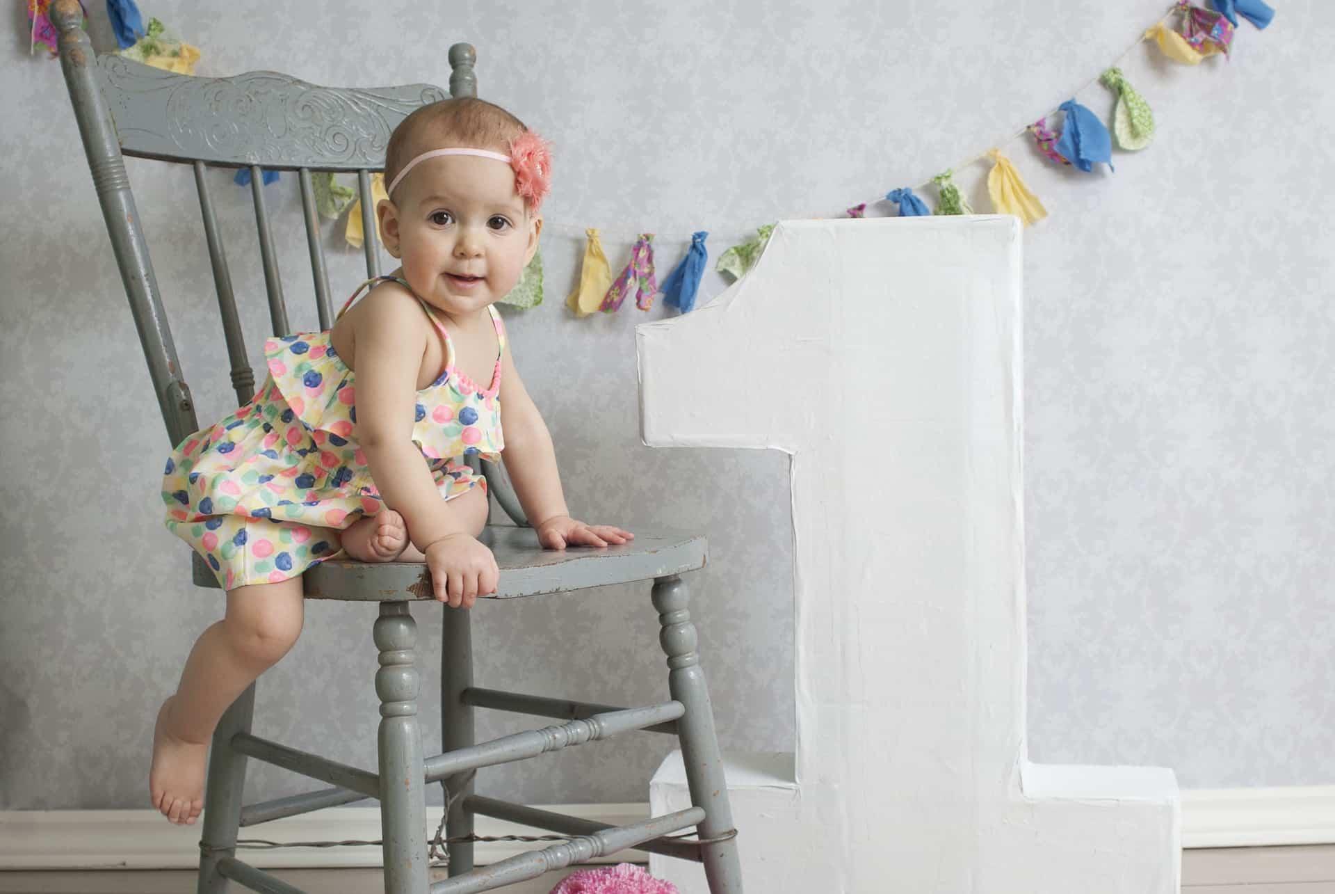 Geburtstagsbild mit Baby zum ersten Geburtstag